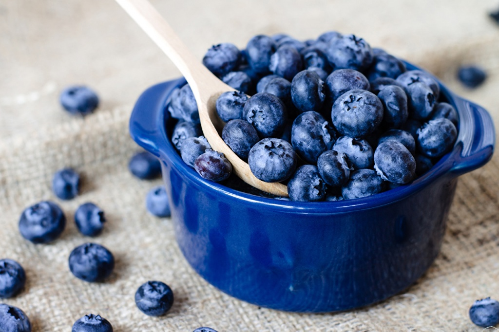Berry_Blueberries_Many_527989_1280x853 (1).jpg
